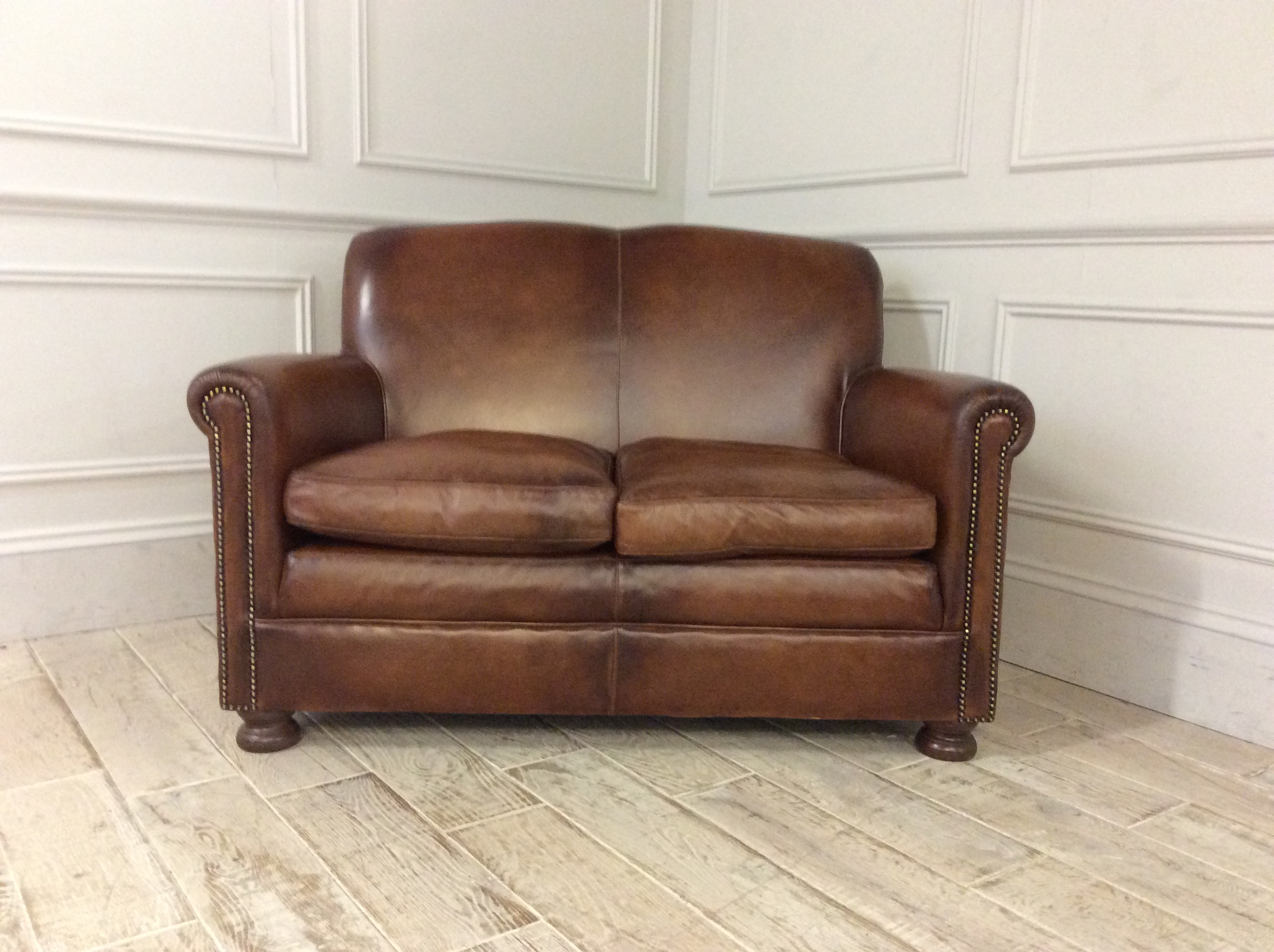 Product photograph showing Woburn Midi Sofa In Hand Antiqued Leather