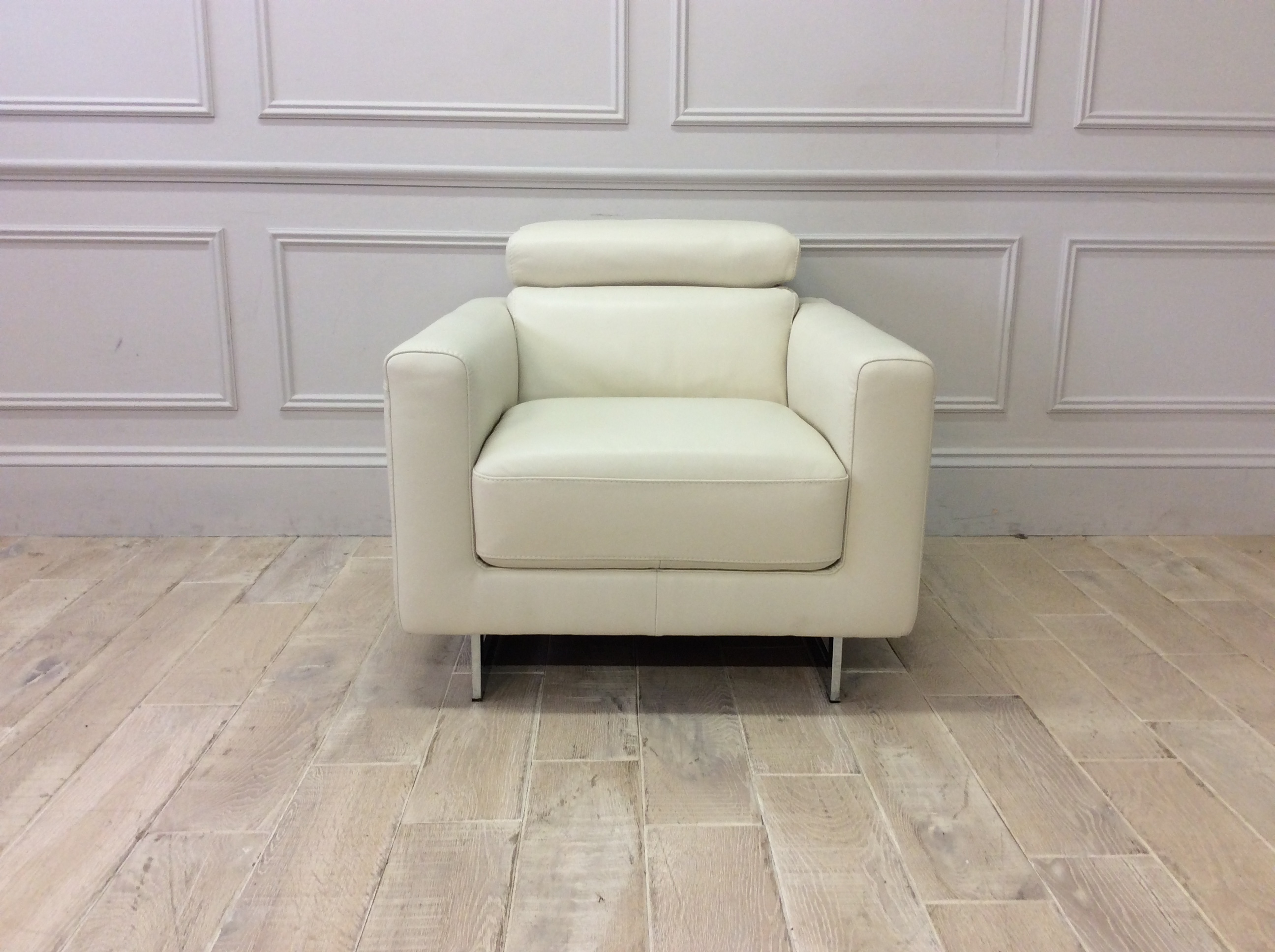 Product photograph showing Milano Chair In Premium Leather 15ci With Adjustable Headrest