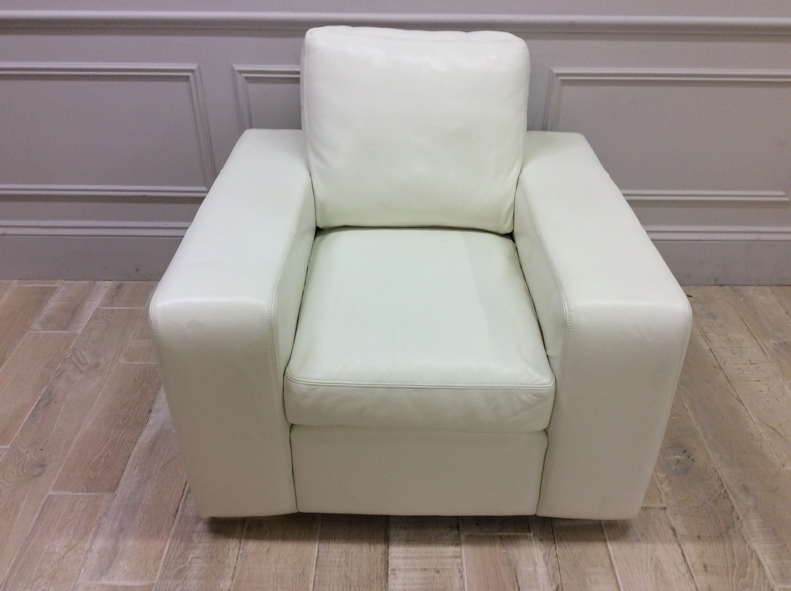 Product photograph showing Camden Chair In Shelly White