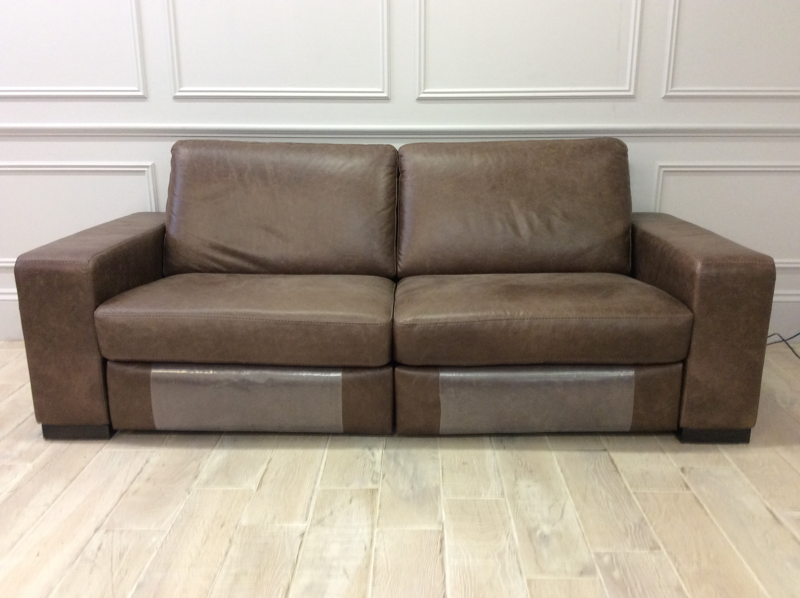 Product photograph showing 3str Alma Sofa With 2 Electric Recliners