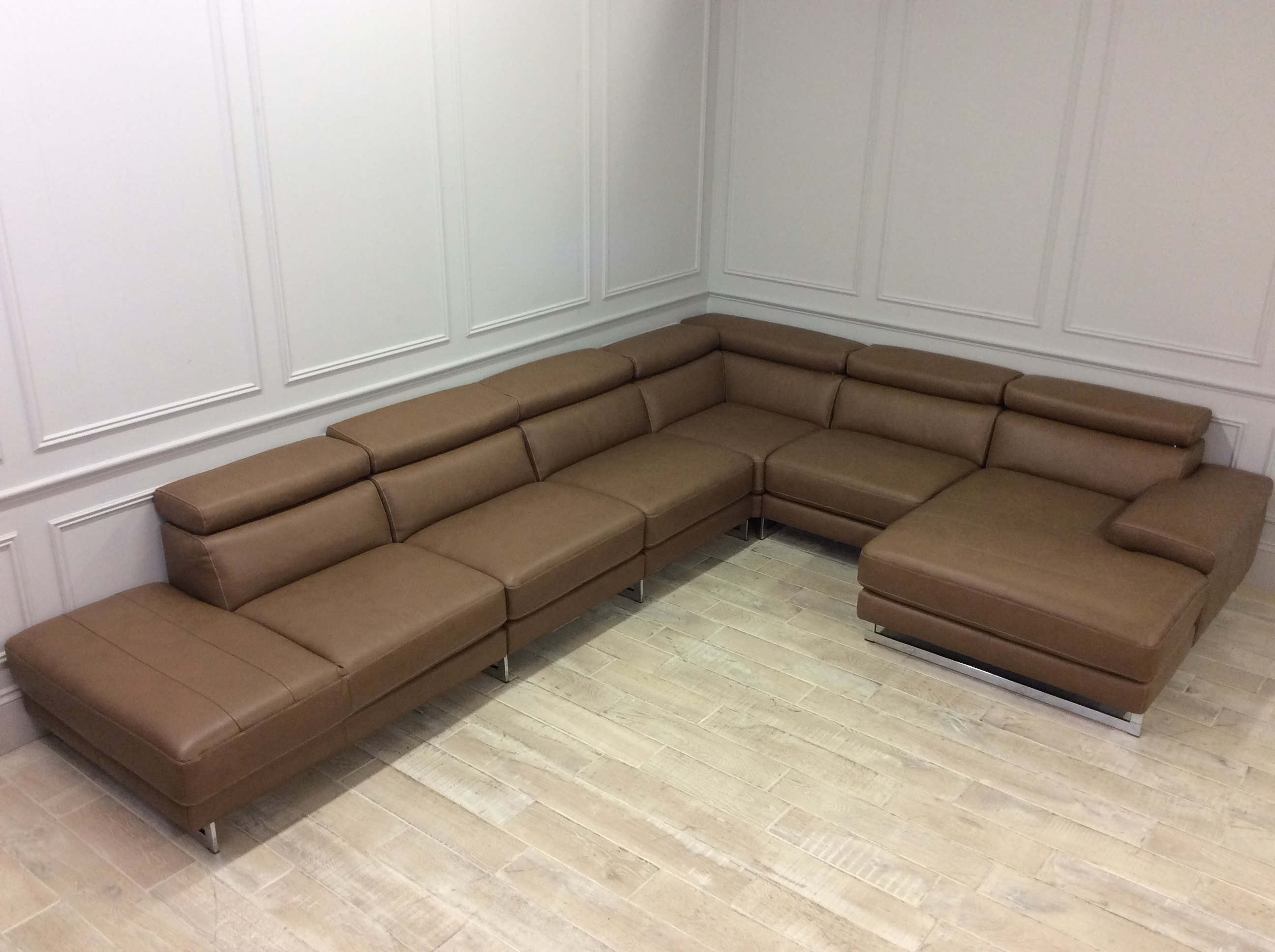 Product photograph showing Milano Extra Large Corner Sofa With Chaise In Premiun 20jr Leather
