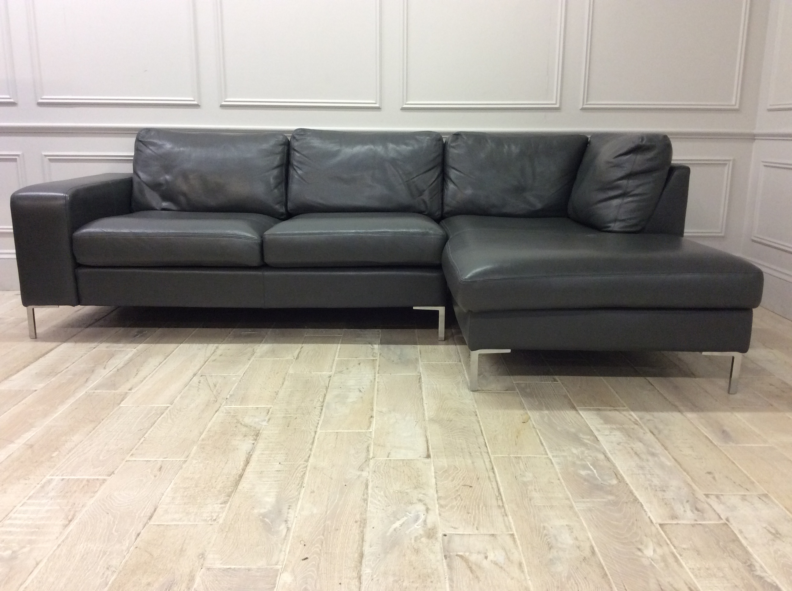 Product photograph showing Kingly 3 Seater Sofa With Right Chaise In Premium Winchester Anthracite Leather