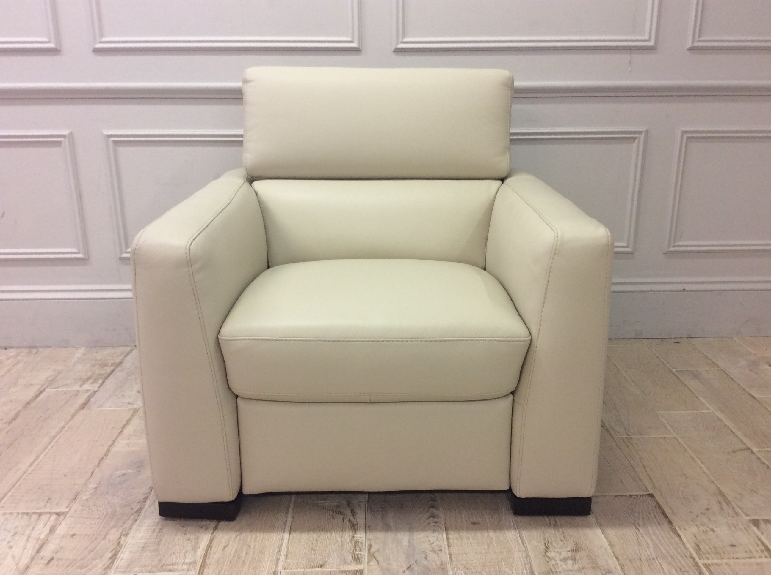 Product photograph showing Francesca Armchair With Manual Recliner In Italian 15c6 Leather