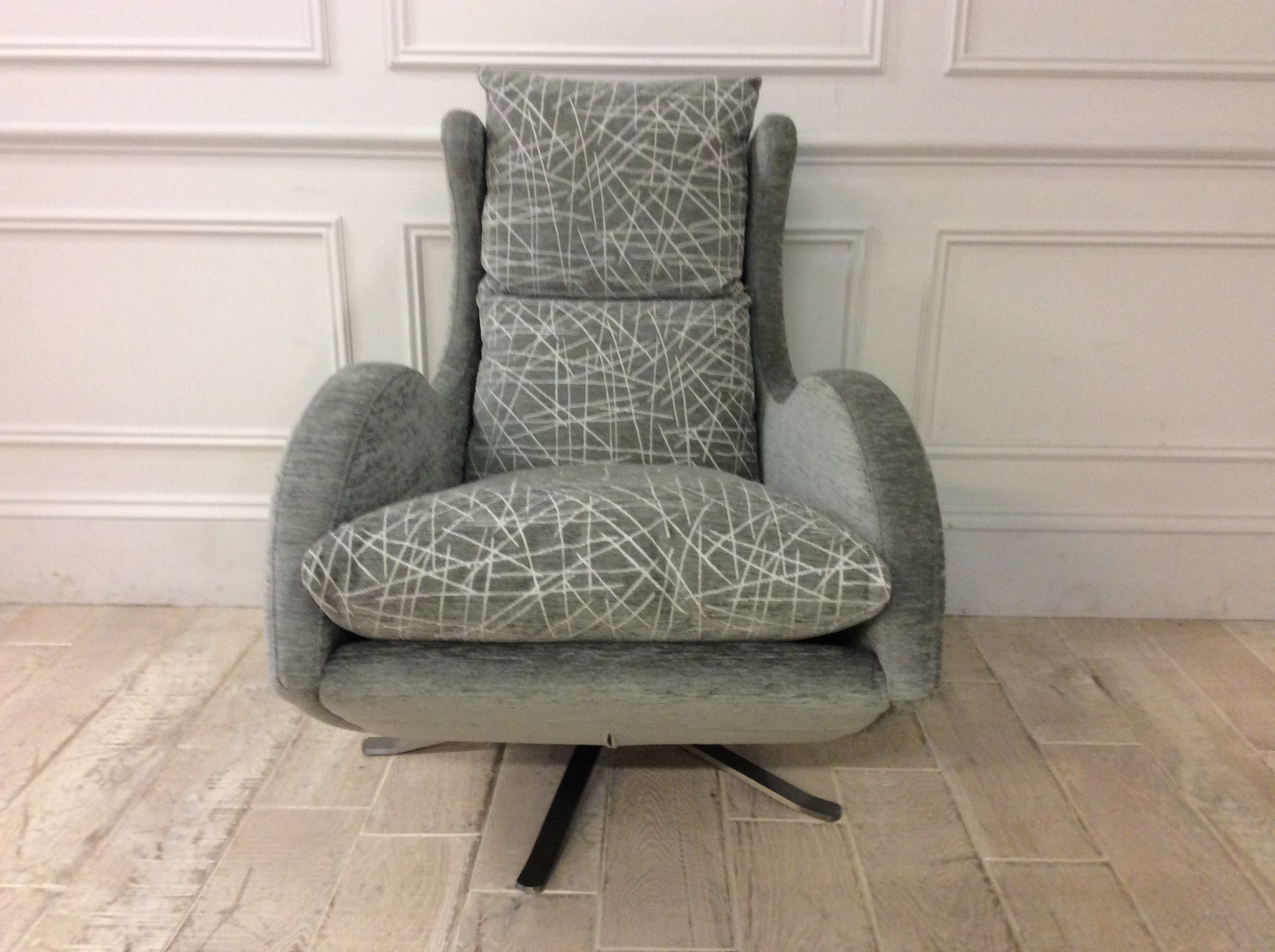 Product photograph showing Enzo Swivel Chair In Pascal Crushed Chenille - Pascal 80