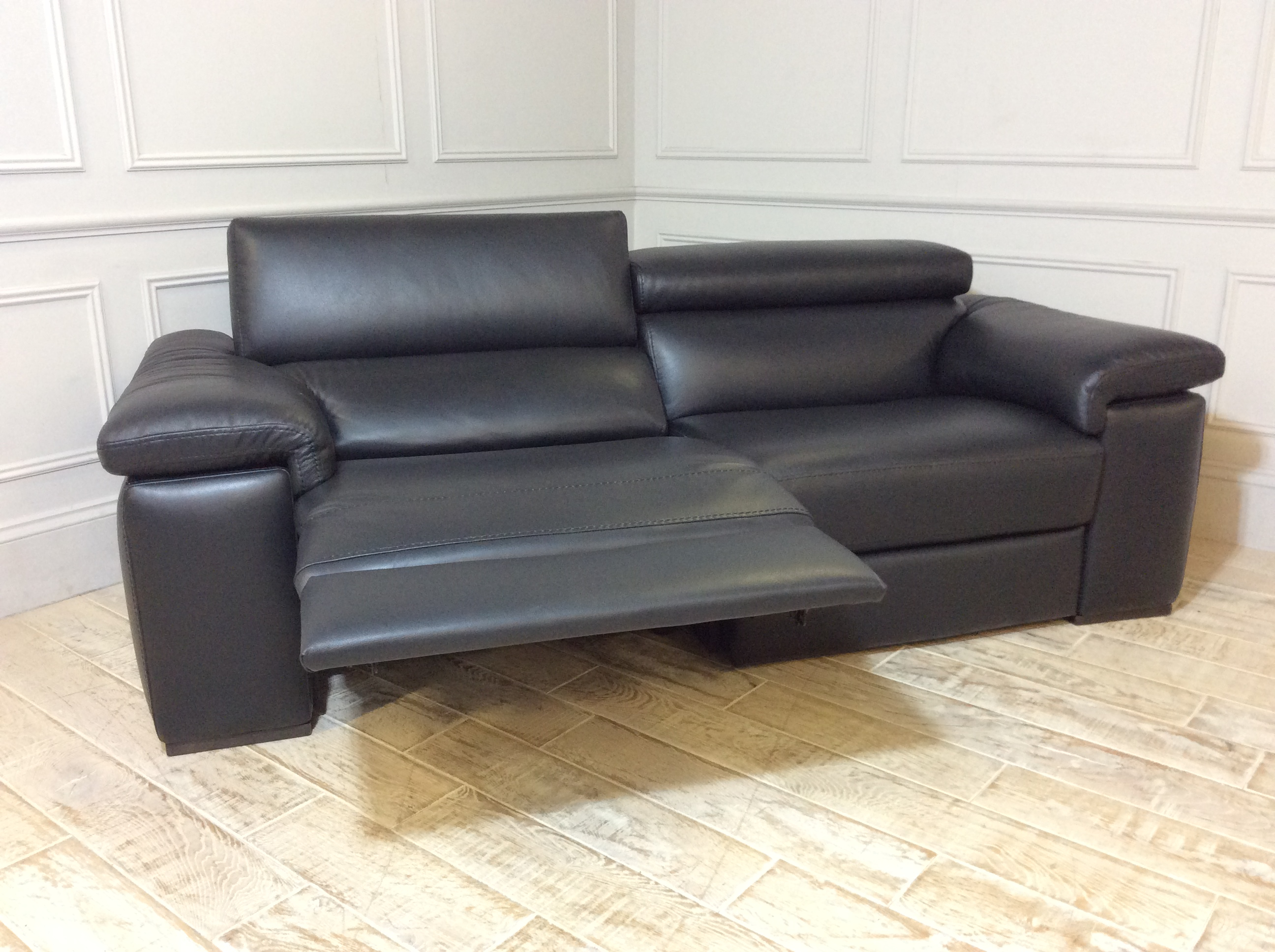 Fabio 3 Seater Sofa with Electric Recliner & Headrest in 1576